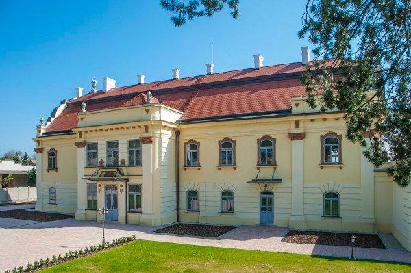 Generálna oprava a rekonštrukcia kaštiela Sasinkovo